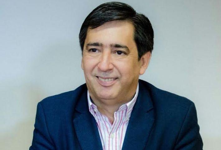 """Momentos y vislumbres del poder II: """"Gustavo Martinez"""""""