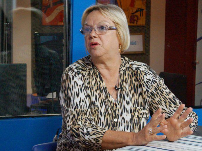 """Alicia Azula: """"Por ahora, estoy dedicada a mi candidatura a senadora"""""""