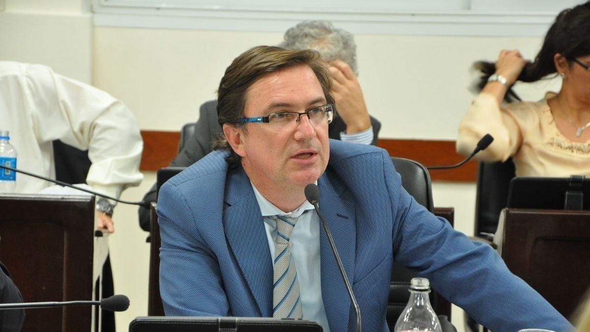 Livio Gutiérrez exige a Peppo que cumpla con el voto electrónico