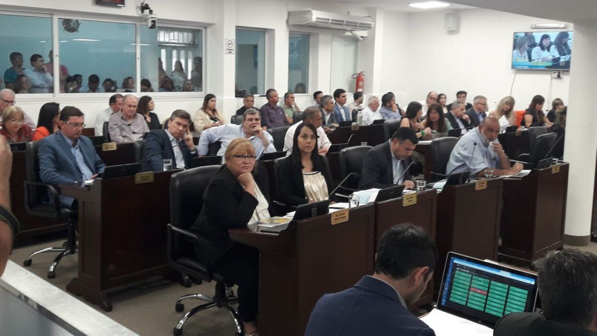 Proponen que diputados de Chaco cobren hasta $50 mil