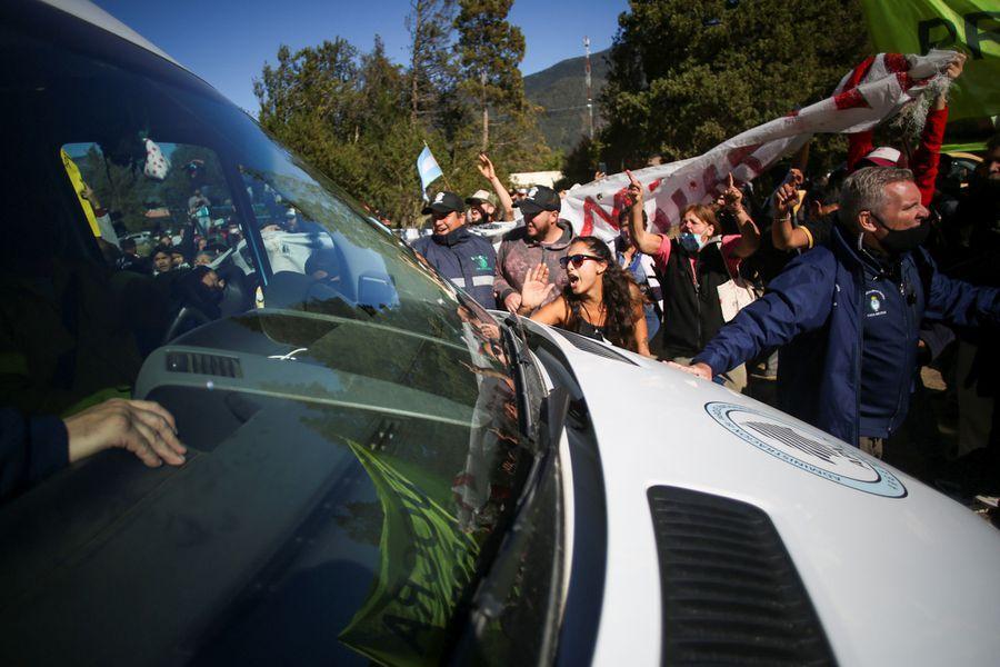 Liberaron a todos los detenidos por el violento ataque al presidente en Chubut